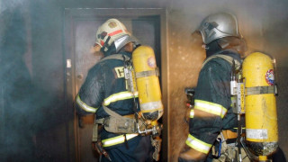 Στις φλόγες τυλίχθηκε ξενοδοχείο στην Πράγα – Δύο νεκροί και δεκάδες τραυματίες