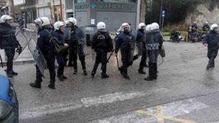 Αγρίνιο: Επεισόδια σε πορείες οπαδών του Σώρρα και αντιεξουσιαστών