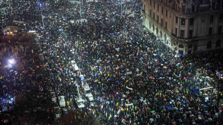 «Όχι» στη διαφθορά είπαν 30.000 Ρουμάνοι
