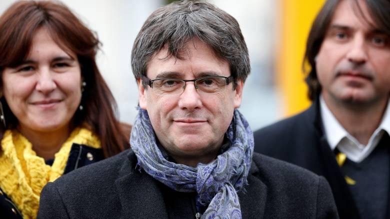 Οι εισαγγελικές αρχές προειδοποιούν τον Πουτζντεμόν για το ταξίδι του στη Δανία