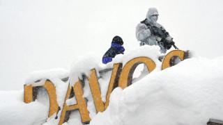Σφοδρές χιονοπτώσεις στο Νταβός - Κόκκινος συναγερμός για χιονοστιβάδες
