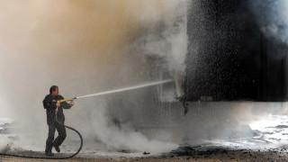 Φορτηγό τυλίχθηκε στις φλόγες στην Εγνατία Οδό (pics&vid)