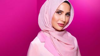 Amena Khan: η beauty blogger με χιτζάμπ αποχωρεί από καμπάνια για το Ισραήλ