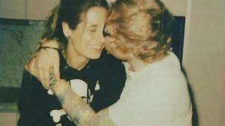 Ed Sheeran: ο viral αρραβώνας του και το αντίο του στα charts
