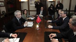 «Όχι» Κοντονή στην έκδοση των οκτώ Τούρκων στρατιωτικών