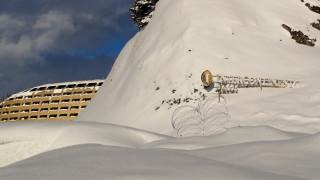 Με τα... πόδια έφτασε στο Νταβός ο Τσίπρας - Περπάτησε δύο χιλιόμετρα στα χιόνια
