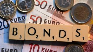 Αυξάνεται το ενδιαφέρον για τα ελληνικά ομόλογα - Τι βλέπουν οι επενδυτές