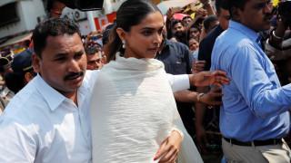 Bollywood: απειλές αποκεφαλισμού & δρακόντεια μέτρα ασφαλείας στην Ινδία για τη βασίλισσα Padmavati