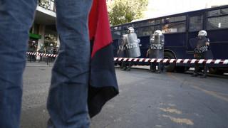 Ηράκλειο: Συμπλοκή μελών της Χρυσής Αυγής και αντιεξουσιαστών - Τζιπ εισέβαλε σε πλήθος