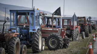 Οι αγρότες Άρτας - Πρέβεζας έστησαν μπλόκο στην Ιόνια Οδό