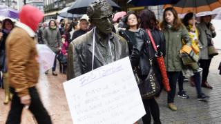 Κακοποιός & διεστραμμένος: Ισπανίδες απαιτούν να απομακρυνθεί άγαλμα του Γούντι Άλεν
