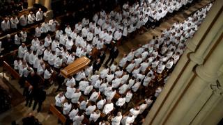 Monsieur Paul: 1.500 εκλεκτοί chef αποχαιρέτησαν τον πάπα της γαλλικής γαστρονομίας