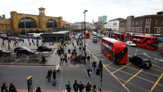 Αυτοκίνητο χτύπησε και σκότωσε τρία 16χρονα παιδιά στο Λονδίνο