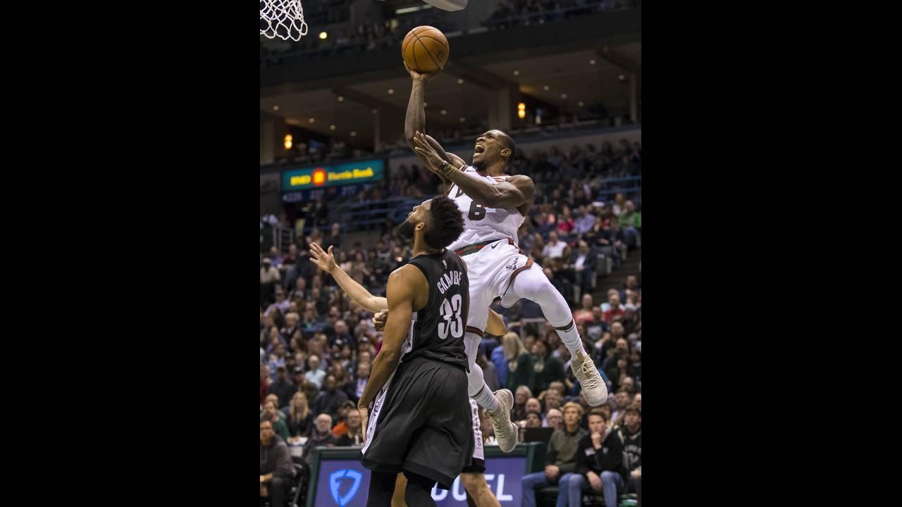 https://cdn.cnngreece.gr/media/news/2018/01/27/115134/photos/snapshot/2018-01-27T032939Z_1457069096_NOCID_RTRMADP_3_NBA-BROOKLYN-NETS-AT-MILWAUKEE-BUCKS.JPG