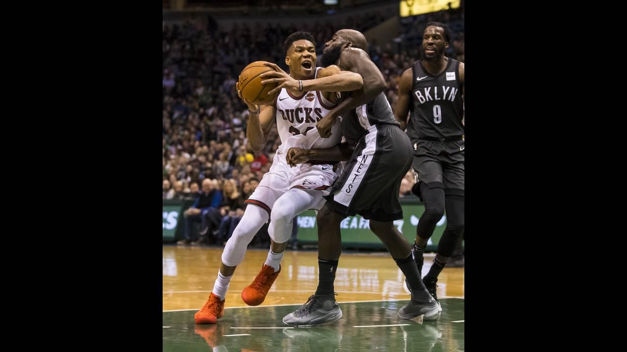 https://cdn.cnngreece.gr/media/news/2018/01/27/115134/photos/snapshot/2018-01-27T032953Z_834318590_NOCID_RTRMADP_3_NBA-BROOKLYN-NETS-AT-MILWAUKEE-BUCKS.JPG