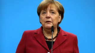 Η Άνγκελα Μέρκελ καταγγέλλει την άνοδο του αντισημιτισμού στη Γερμανία