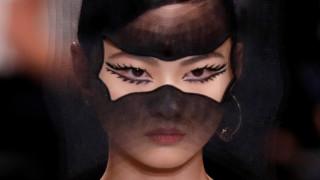 Εβδομάδα Μόδας: η νέα haute couture σε 70 παριζιάνικες στιγμές