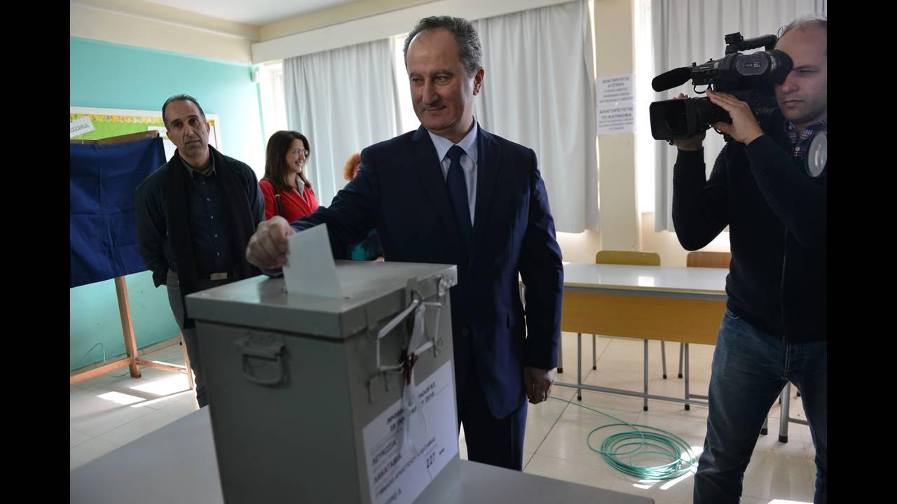 https://cdn.cnngreece.gr/media/news/2018/01/28/115269/photos/snapshot/2018-01-28T095237Z_1083634470_UP1EE1S0RFPXZ_RTRMADP_3_CYPRUS-ELECTION.JPG