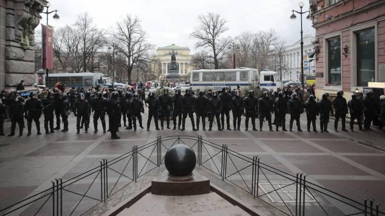 Ρωσία: Συνέλαβαν ξανά τον Ναβάλνι - Στο δρόμο διαδηλωτές κατά του Πούτιν
