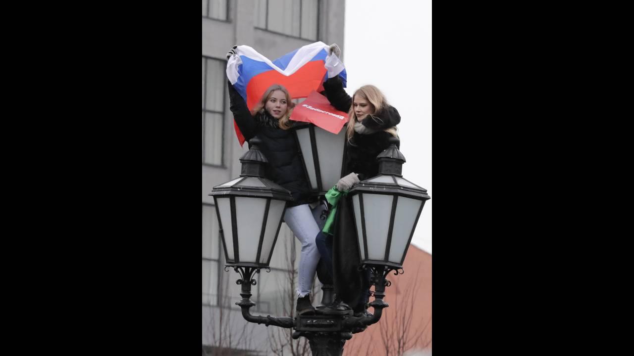 https://cdn.cnngreece.gr/media/news/2018/01/28/115275/photos/snapshot/2018-01-28T130012Z_896870012_UP1EE1S104C2D_RTRMADP_3_RUSSIA-ELECTION-NAVALNY.JPG