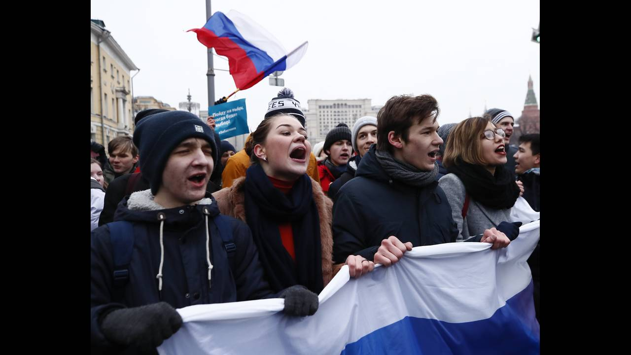 https://cdn.cnngreece.gr/media/news/2018/01/28/115275/photos/snapshot/2018-01-28T130722Z_964458652_UP1EE1S10GA2P_RTRMADP_3_RUSSIA-ELECTION-NAVALNY.JPG