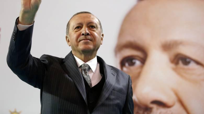 Ερντογάν: Θα καθαρίσουμε τα σύνορα της Συρίας από τους τρομοκράτες