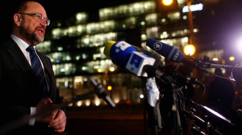 Έκκληση Σουλτς στο κόμμα του και στη Μέρκελ για συμβιβασμούς