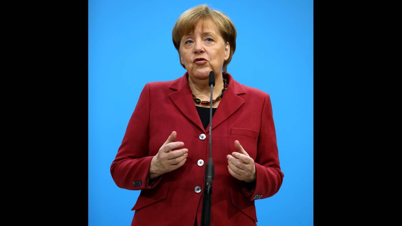 https://cdn.cnngreece.gr/media/news/2018/01/29/115331/photos/snapshot/2018-01-26T081406Z_10405229_RC176B31AE10_RTRMADP_3_GERMANY-POLITICS.JPG