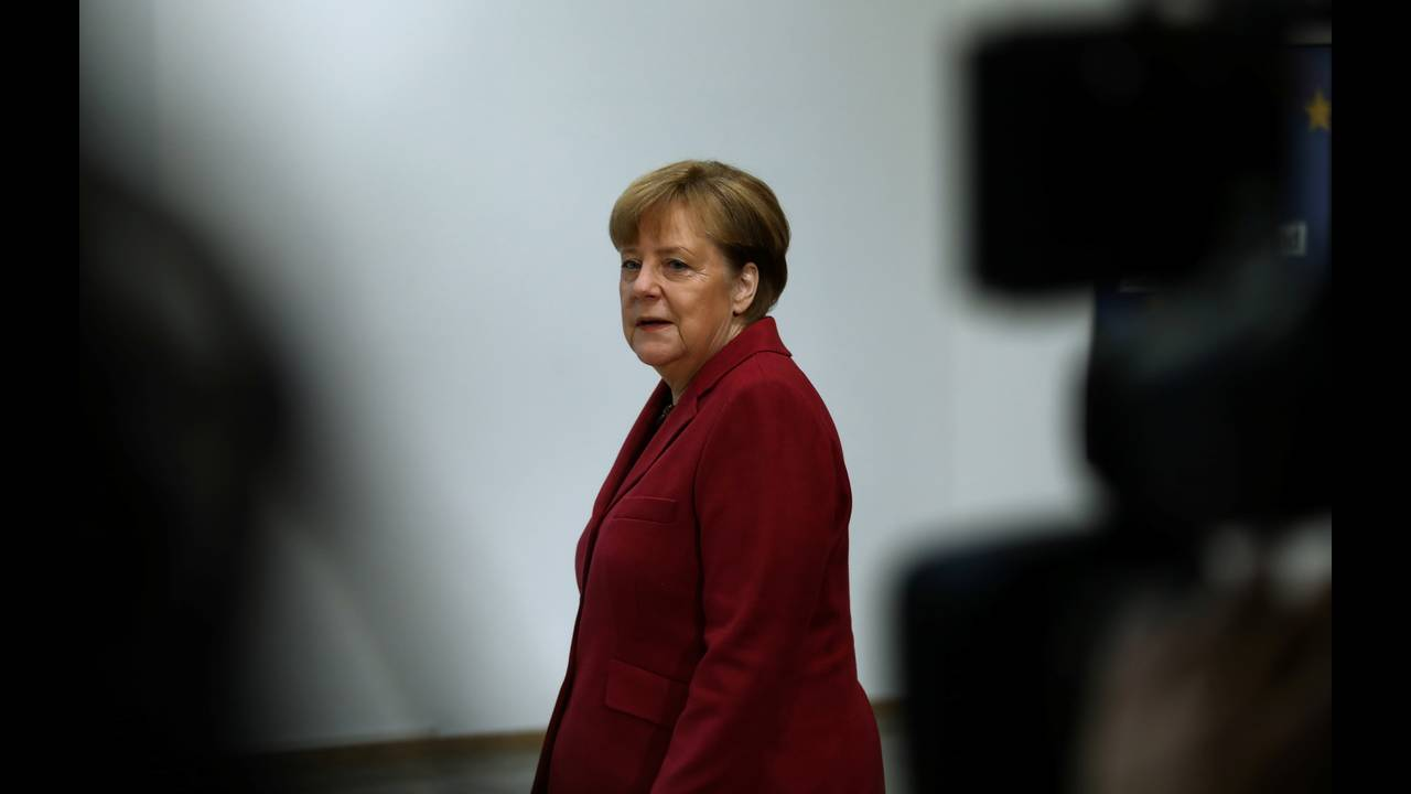 https://cdn.cnngreece.gr/media/news/2018/01/29/115331/photos/snapshot/2018-01-26T082425Z_2013406199_RC15CBA77240_RTRMADP_3_GERMANY-POLITICS.JPG