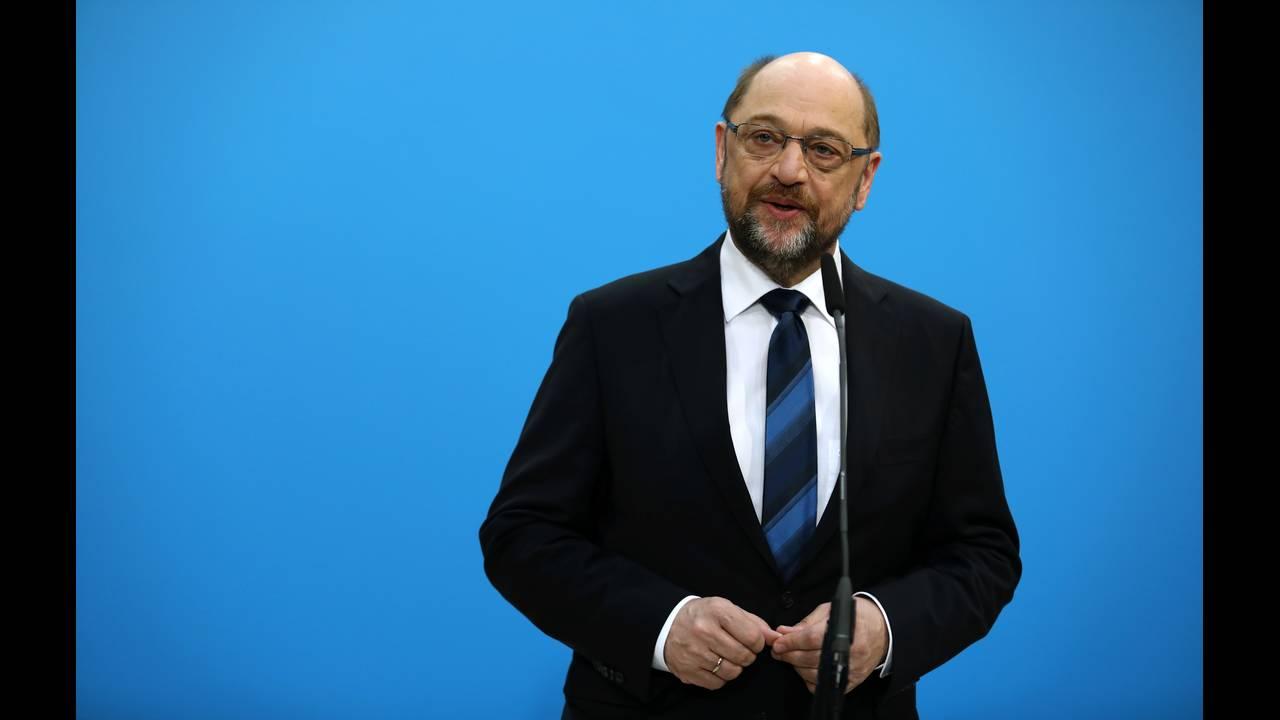 https://cdn.cnngreece.gr/media/news/2018/01/29/115331/photos/snapshot/2018-01-26T082850Z_1468954403_RC18E187AF20_RTRMADP_3_GERMANY-POLITICS.JPG