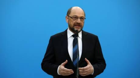 Γερμανία: Ο Σουλτς αφήνει ανοιχτό το ενδεχόμενο συμμετοχής του σε κυβέρνηση υπό την Μέρκελ