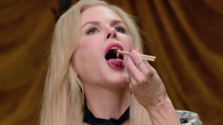 Θα νικούσα στο Survivor: η Νικόλ Κίντμαν τρώει γρύλους & σκουλήκια για το Vanity Fair (vid)