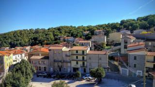 Η ιταλική πόλη Ollolai πουλάει σπίτια έναντι... ενός δολαρίου