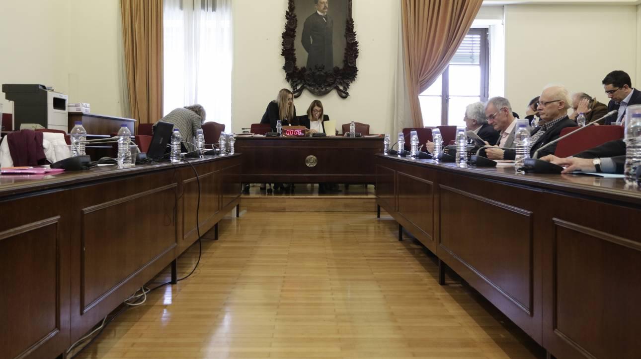 Απέρριψε ο ΣΥΡΙΖΑ αίτημα της ΝΔ να κληθούν στην επιτροπή Θεσμών & Διαφάνειας Καμμένος - Παπαδόπουλος