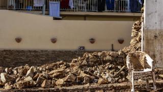 Διανομή ειδών πρώτης ανάγκης σε πλημμυροπαθείς της Μάνδρας