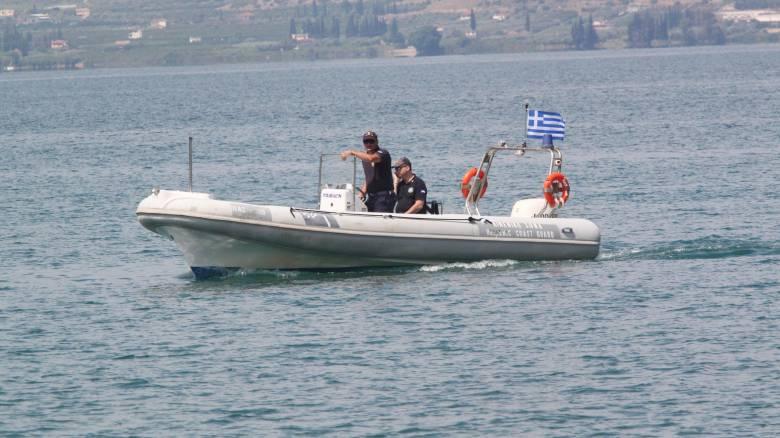 Νεκρός ανασύρθηκε ο επιβάτης του Blue Star Naxos που έπεσε στη θάλασσα