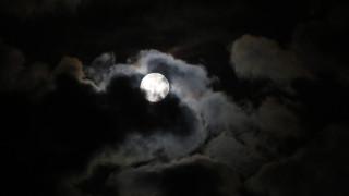 Απόψε η ολική έκλειψη υπερ-Σελήνης (infographic)