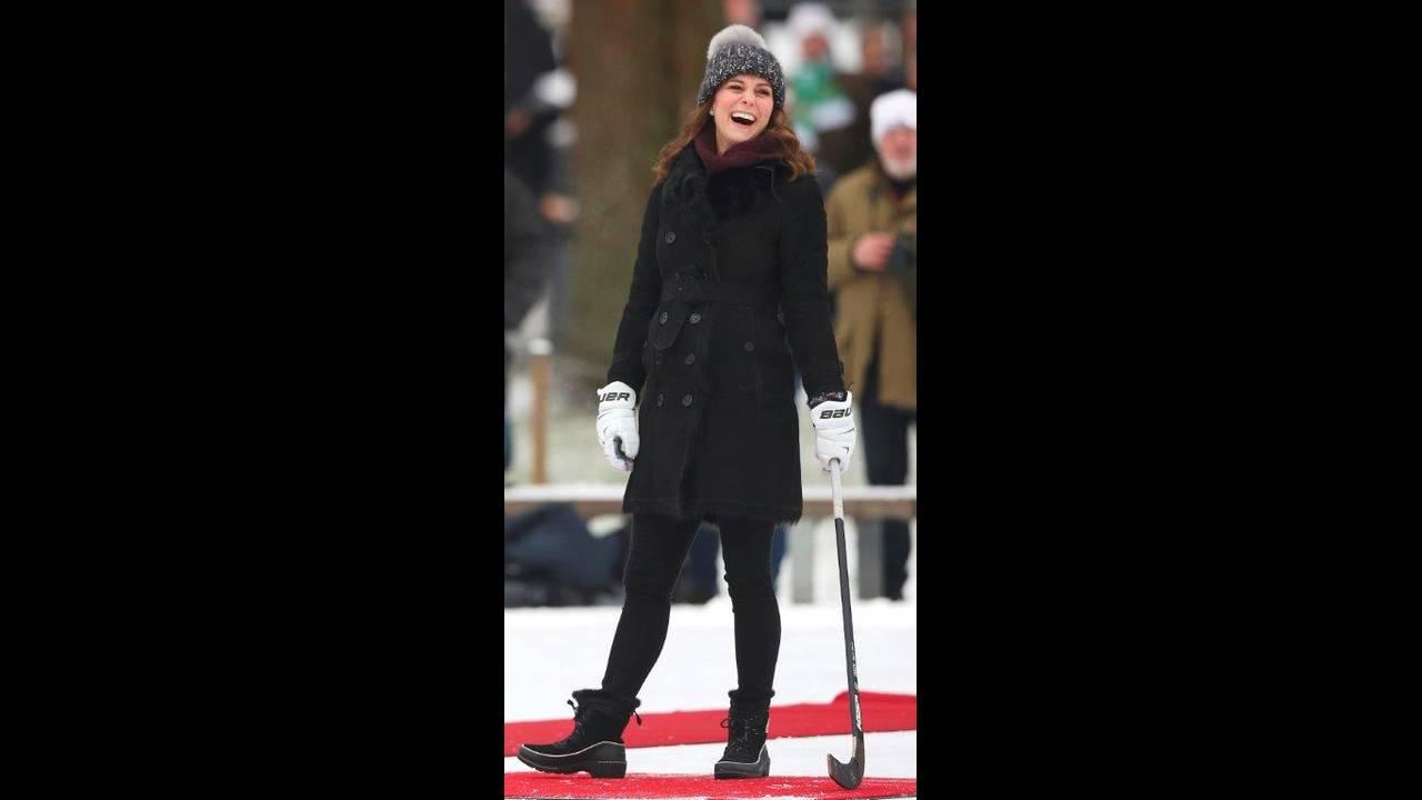 https://cdn.cnngreece.gr/media/news/2018/01/31/115709/photos/snapshot/2018-01-30T101235Z_1316320694_RC1F1A915560_RTRMADP_3_BRITAIN-ROYALS-SWEDEN.jpg