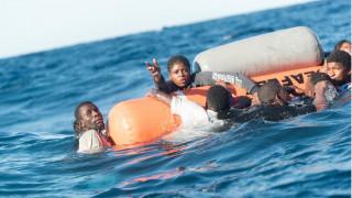 Ναυάγιο στη Μεσόγειο: Το ατελείωτο προσφυγικό δράμα μέσα από φωτογραφίες