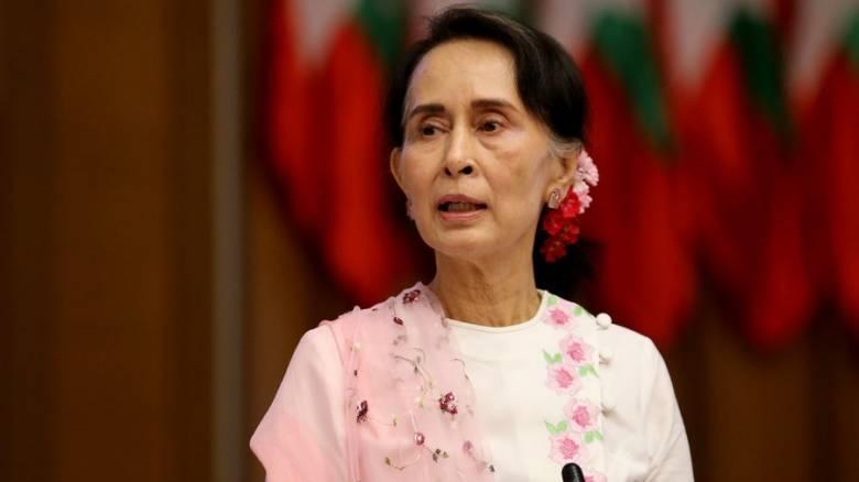Επίθεση με μολότοφ στο σπίτι της ηγέτιδας της Μιανμάρ