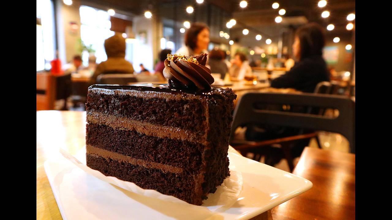 https://cdn.cnngreece.gr/media/news/2018/02/01/115819/photos/snapshot/restaurant-3037030_1920.jpg