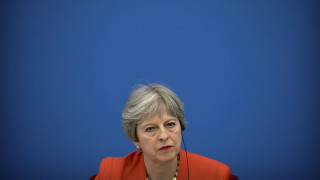 Μέι: Οι Ευρωπαίοι πολίτες πιθανόν να χάσουν κάποια δικαιώματά τους μετά το Brexit