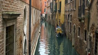 «Στέγνωσαν» τα κανάλια της Βενετίας