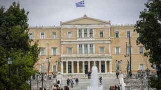 Φωταγωγείται η Βουλή των Ελλήνων για την Παγκόσμια Ημέρα κατά του Καρκίνου