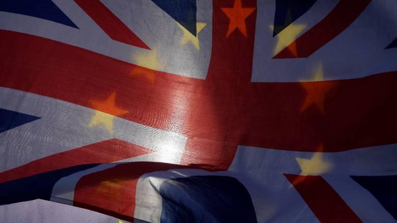 DW: Εξετάζεται σοβαρά το ενδεχόμενο παραμονής του Ηνωμένου Βασιλείου στην Τελωνειακή Ένωση