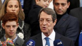 Κύπρος: Τα μηνύματα Αναστασιάδη - Μαλά από την κάλπη