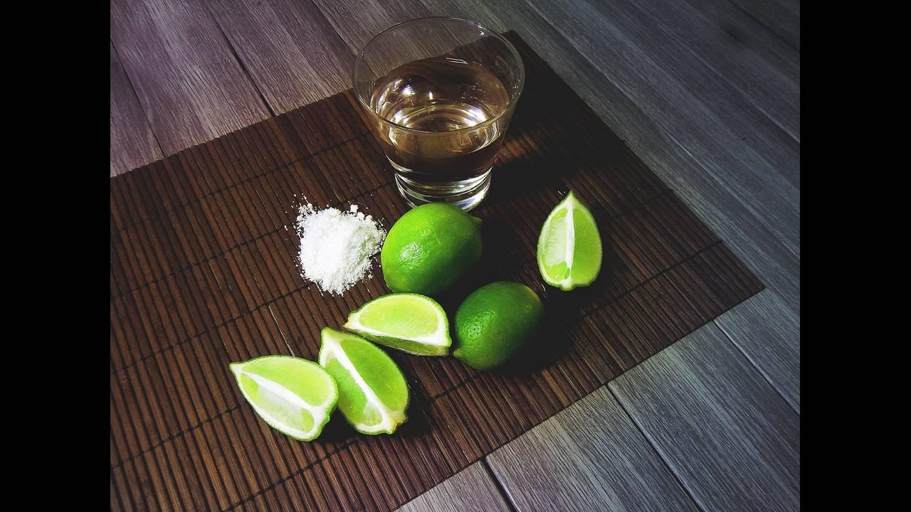 https://cdn.cnngreece.gr/media/news/2018/02/05/116399/photos/snapshot/tequila-2593432_1920.jpg