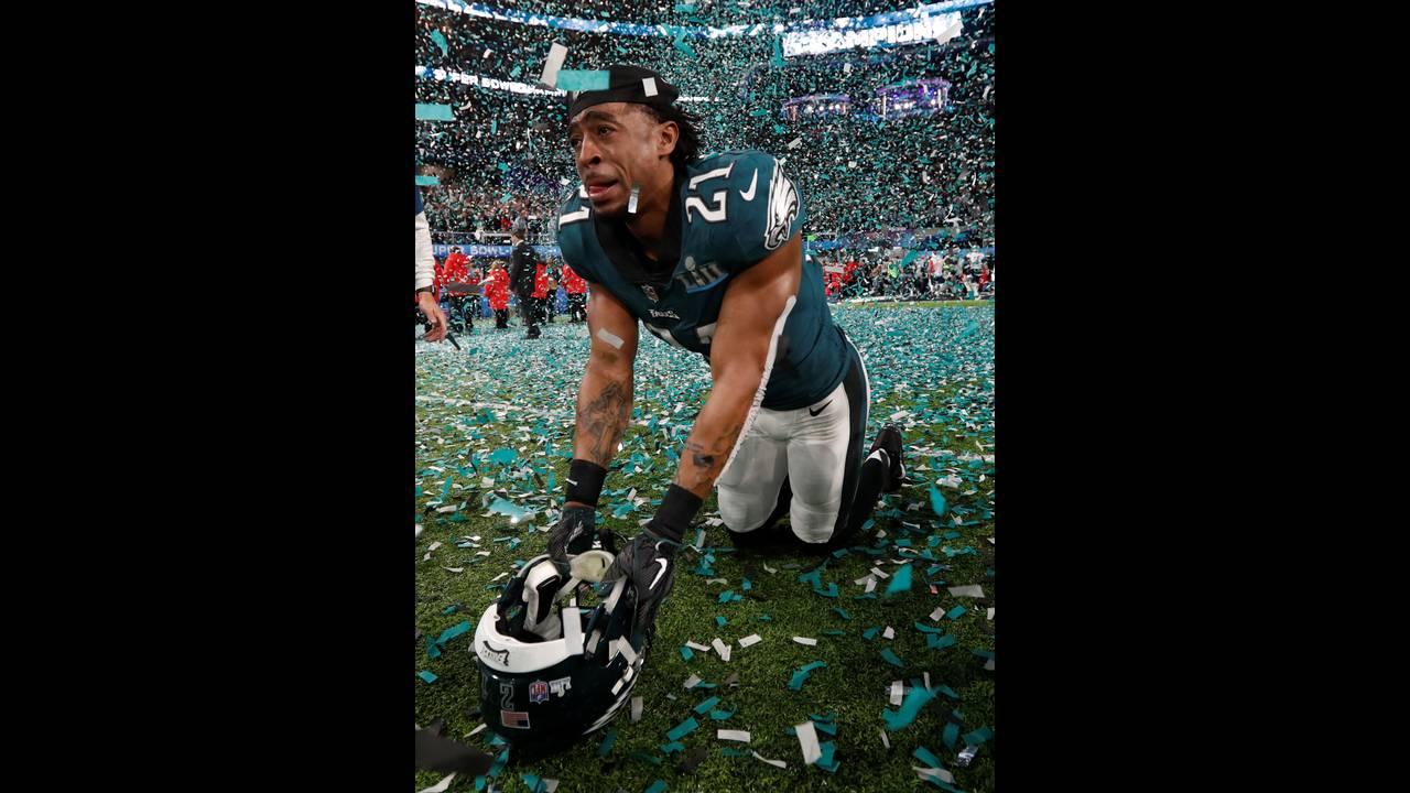 https://cdn.cnngreece.gr/media/news/2018/02/05/116413/photos/snapshot/2018-02-05T033554Z_90824398_RC172356F180_RTRMADP_3_FOOTBALL-NFL-SUPERBOWL.JPG