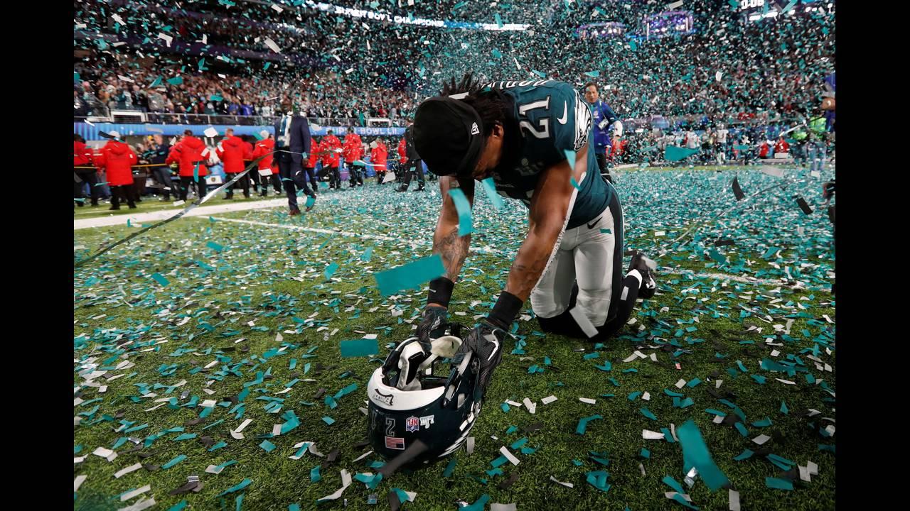https://cdn.cnngreece.gr/media/news/2018/02/05/116413/photos/snapshot/2018-02-05T033621Z_1369162065_RC1DAF143A80_RTRMADP_3_FOOTBALL-NFL-SUPERBOWL.JPG