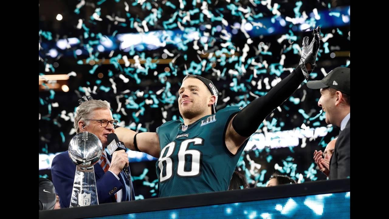 https://cdn.cnngreece.gr/media/news/2018/02/05/116413/photos/snapshot/2018-02-05T035156Z_838125082_RC16C7657050_RTRMADP_3_FOOTBALL-NFL-SUPERBOWL.JPG